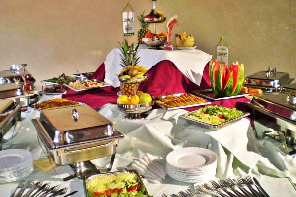 catering3FE220DB0-835E-A291-BFE2-677D9C766532.jpg